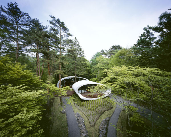 shell house 1 Futuristic Home in Karuizawa, Japan by Artechnic Architects