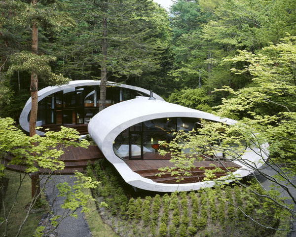 shell house 2 Futuristic Home in Karuizawa, Japan by Artechnic Architects