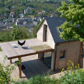 "Eco House Design is Heavenly, Complete with ""Wings"""