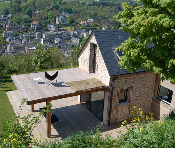 shelter house 5 Eco House Design is Heavenly, Complete with Wings