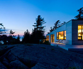 Luxury Cottage Home in Canada – this island cottage is 'superkul'
