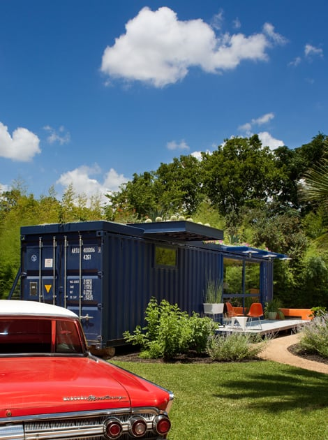 shipping-container-guest-house-with-rooftop-garden-3-left-side.jpg