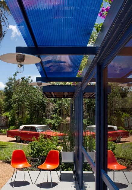 shipping-container-guest-house-with-rooftop-garden-5-awning.jpg