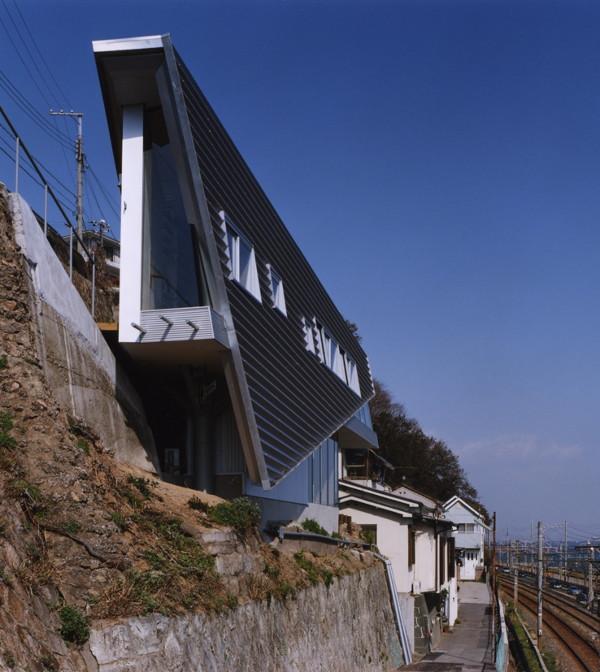 shuhei endo house Modern Japanese Home   Skinny House by Shuhei Endo
