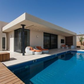 Simple Pool Family Home in Israel