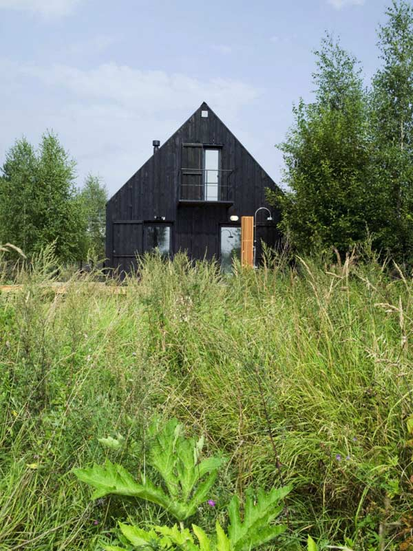 simple summer house russia 7 Simple Summer House in Russia