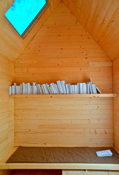 simplest-reading-cabin-to-build-shelf-mat.jpg