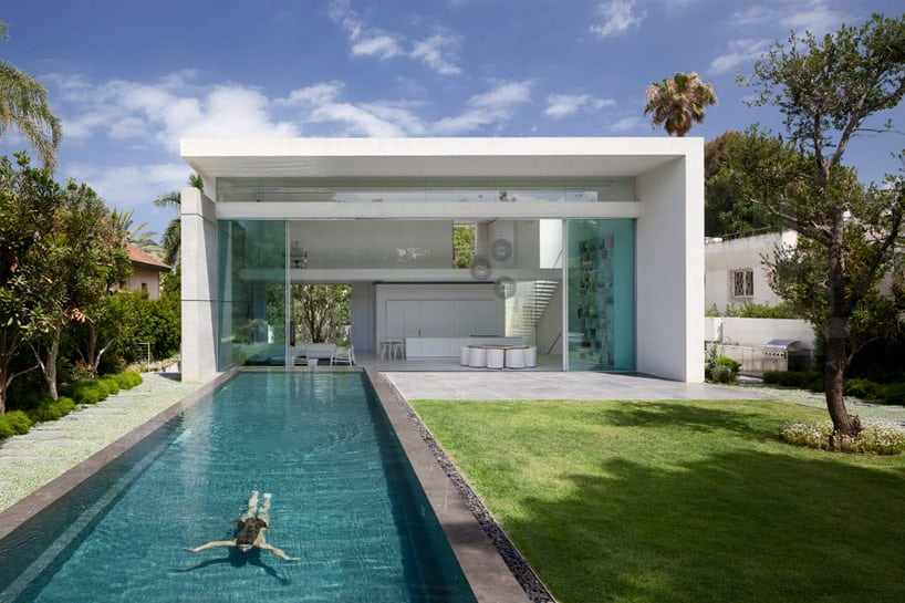 Sleek Cubic House With Front And Back Gardens