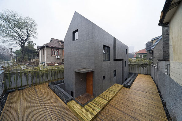 slit house 2 Concrete Urban Design in China imitates brick