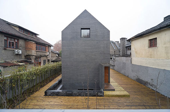 slit house 3 Concrete Urban Design in China imitates brick