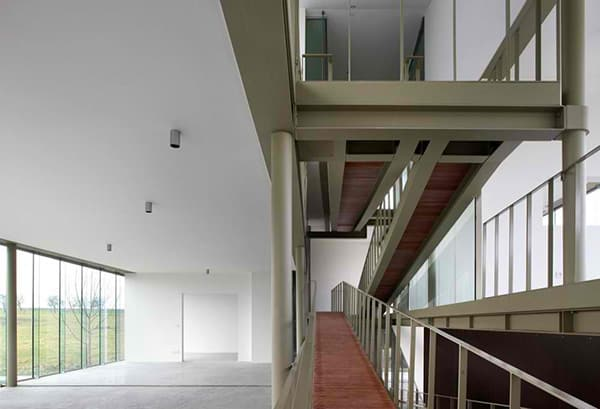 sloping-roof-house-design-belgium-10.jpg