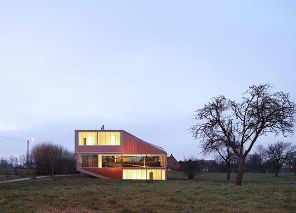 sloping-roof-house-design-belgium-3.jpg