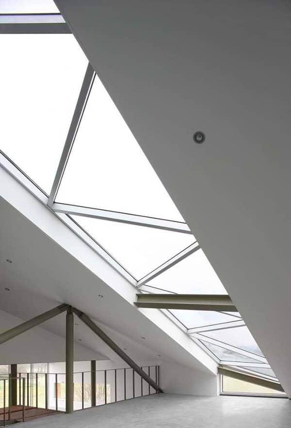 sloping-roof-house-design-belgium-9.jpg