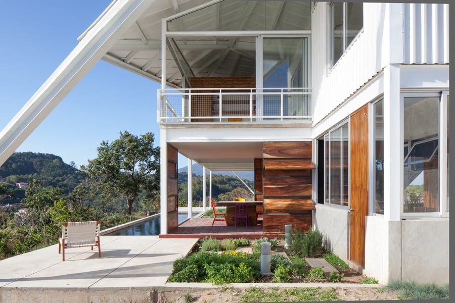 Nice View In Gallery Sophisticated And Futuristic Looking House In El Salvador
