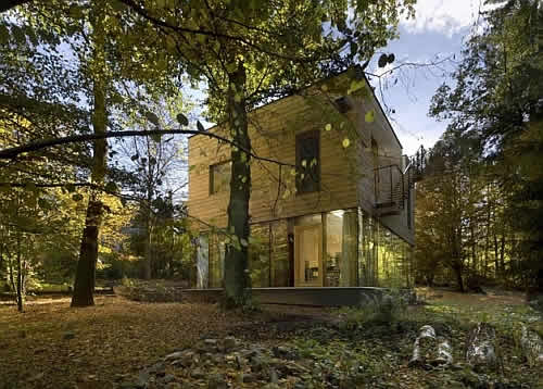 sporadical wooden house 1 Wonderful Wooden House Design in Czech Republic Invites Nature and Company