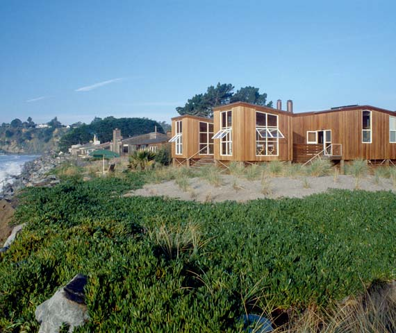 stinson beach house 2 Beach House Design in Wood on California Coast
