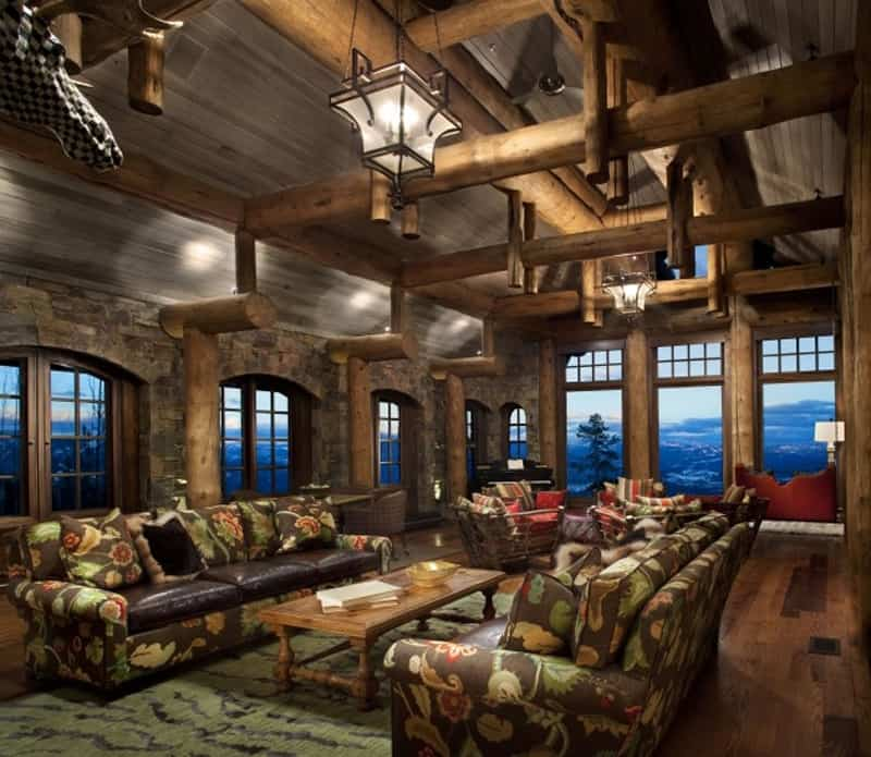 Stone mountain chalet with elevator and ski room for Decoration maison de montagne