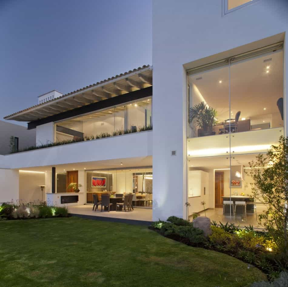 Casas Modernas: Mexican Home With Serene View Of The City