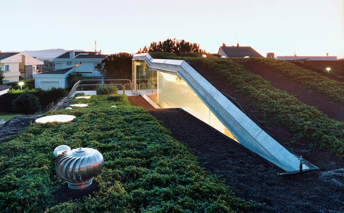 & Sustainable Bio House with Hydroponic Rooftop Garden