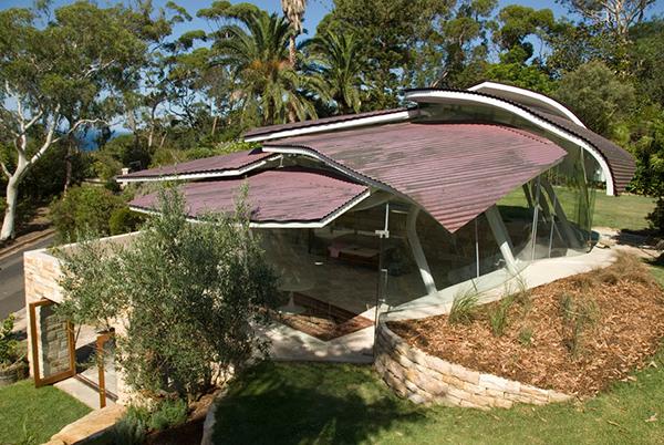 sydney leaf house 1 Modern Australian Architecture   Leaf House mimics terrain