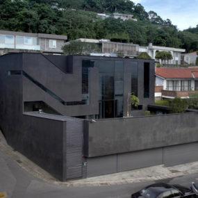 Maze Like House with narrow rooms