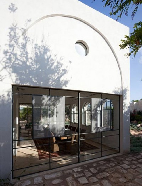 tel-aviv-homes-tradition-meets-minimalism-4.jpg