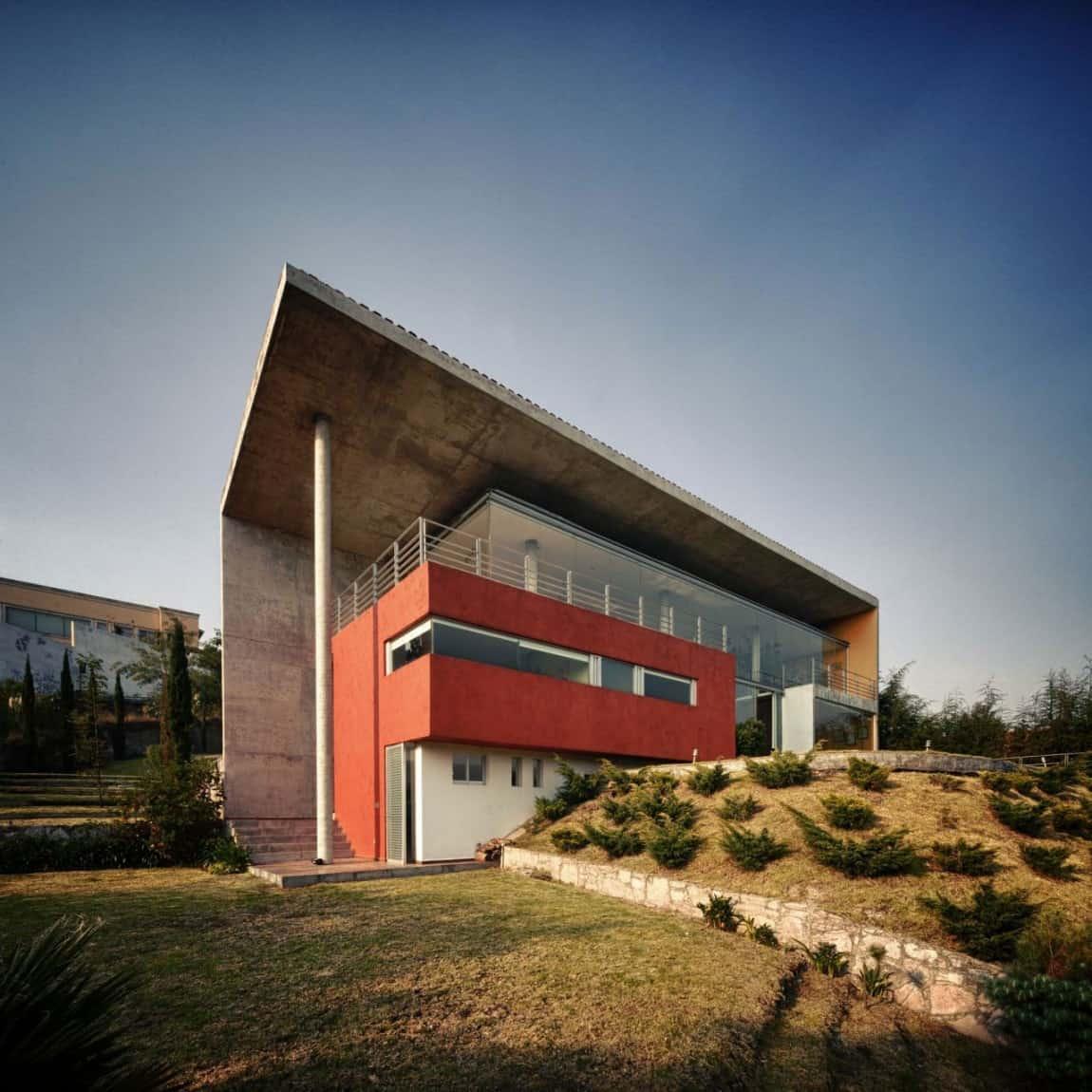Thermal Inertia House with Panoramic Views