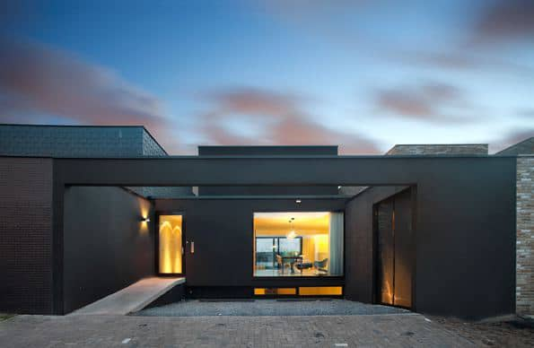 Modern single story house design