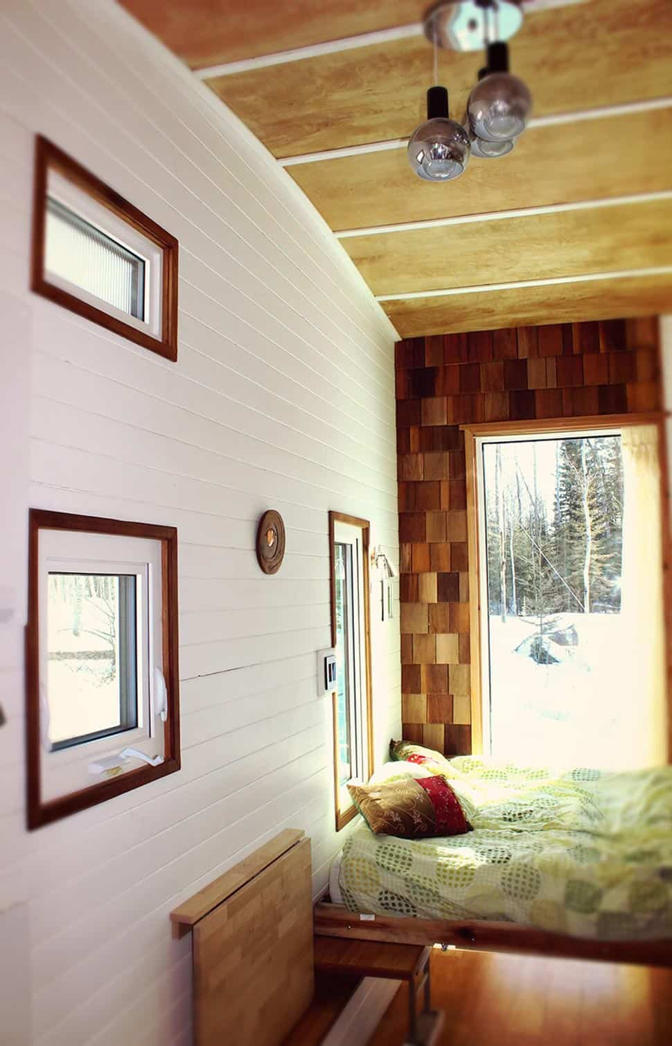 View In Gallery Tiny House Design For Cold Weather 7