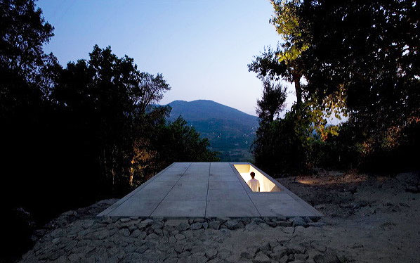 tolo house 5 Contemporary Home Design in Portugal   Steep Slope Home