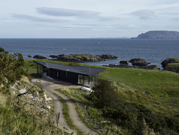 tuath na mara residence 2 Modern Cottage Design   a Contemporary Sea Side Hide Away in Ireland