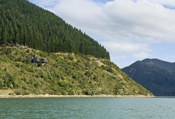 turn point lodge 9 Hillside Cottage Plan in New Zealand Embraces Serenity and Sustainability