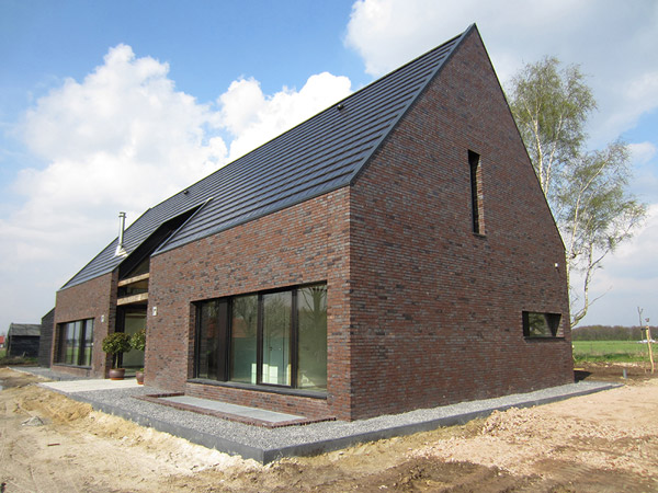 unusual barn inspired house by netherlands spot architecture 2 Unusual barn inspired house by Netherlands SPOT Architecture