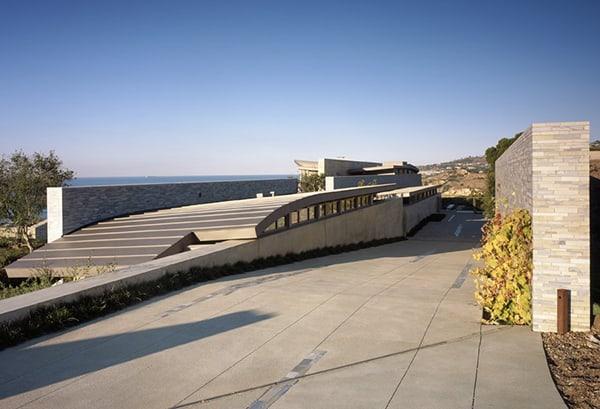 unusual-roof-design-beach-house-4.jpg