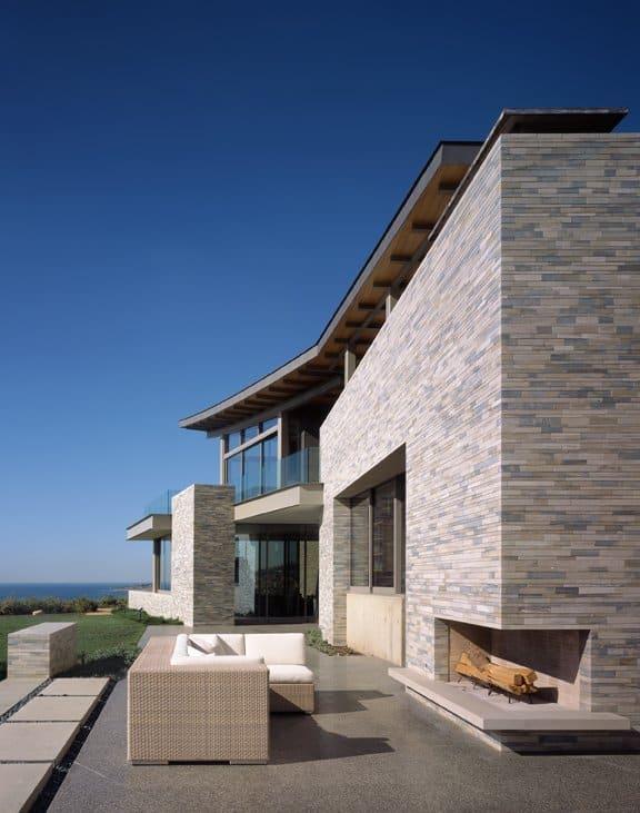 unusual-roof-design-beach-house-6.jpg