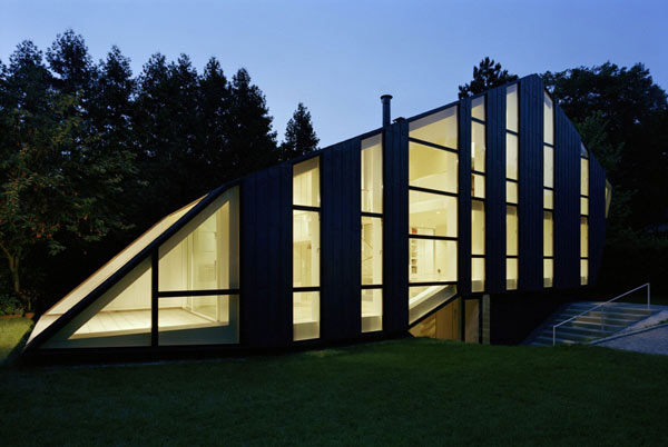 unusual shaped house with glass facades in german garden 2 Unusual Shaped House with Glass Facades in German Garden