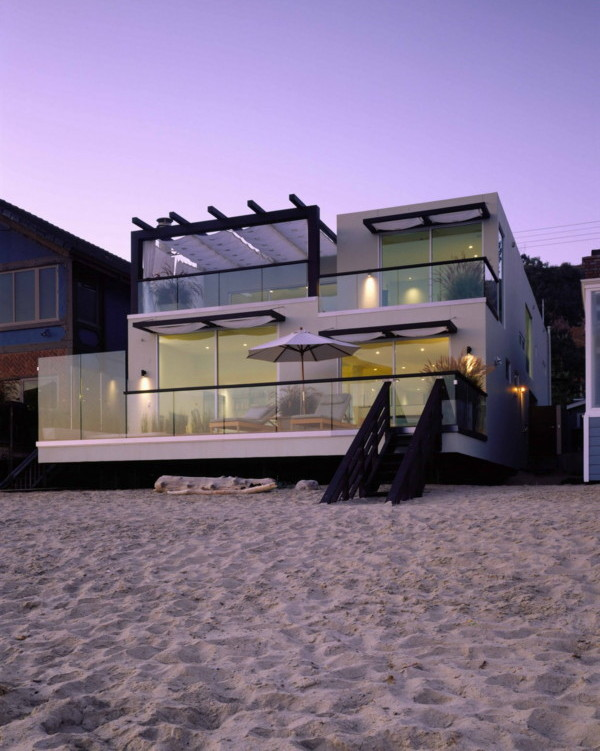 Spa-Inspired Beachfront Luxury Home - the Urban Spa House