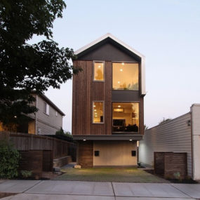 Vertical House Raises Sustainable Seattle Living to New Heights