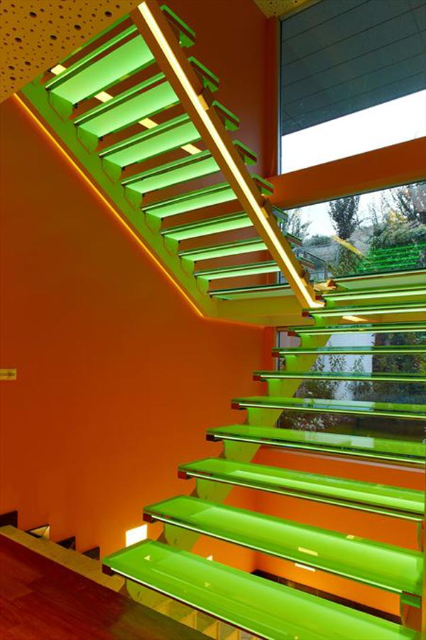 vibrant-pop-art-inspired-house-4.jpg