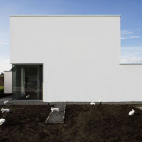 Alice-In-Wonderland-Inspired House in The Netherlands – modern minimalist design