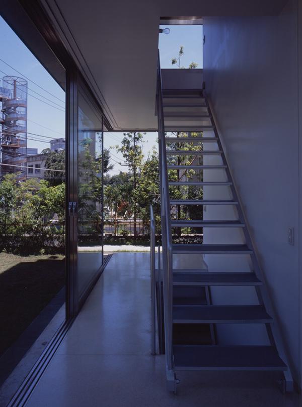 wall-less-house-4.jpg