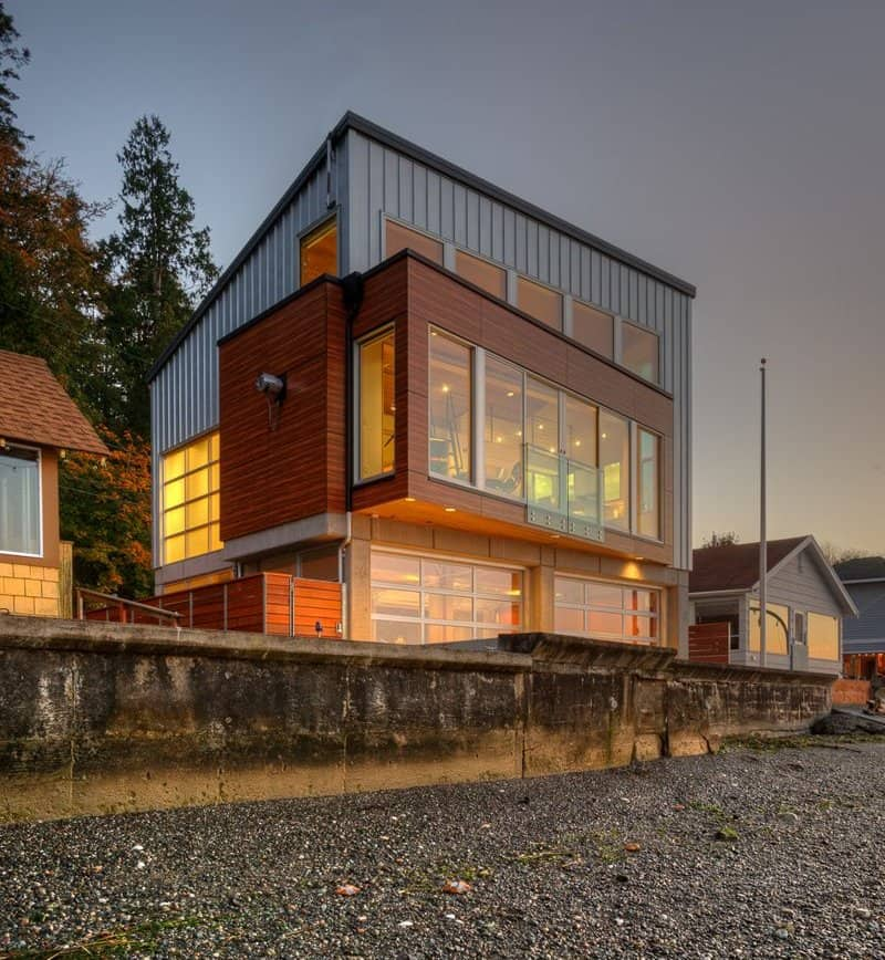 Waterfront Homes: Tsunami-proof Waterfront House