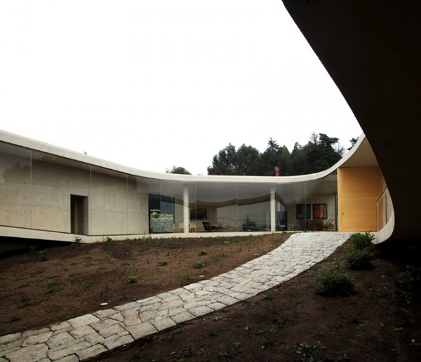 white-o-house-2.jpg