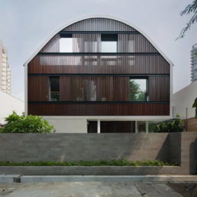 Wind Vault House with oval shaped roof