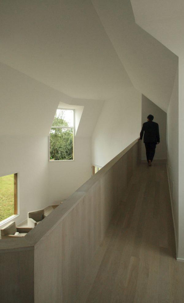 wood-clad-house-centrifugal-layout-3.jpg