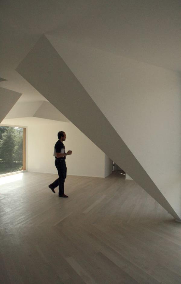 wood-clad-house-centrifugal-layout-6.jpg