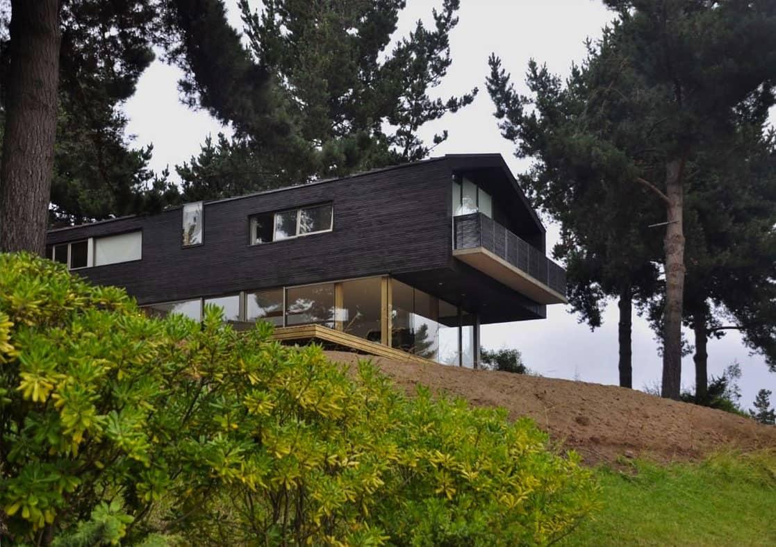 Wooden Hilltop House Sleeps Fourteen People