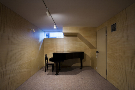 yamashita music house 4 Japanese House Design – three wall design houses 24 sound proof rooms!