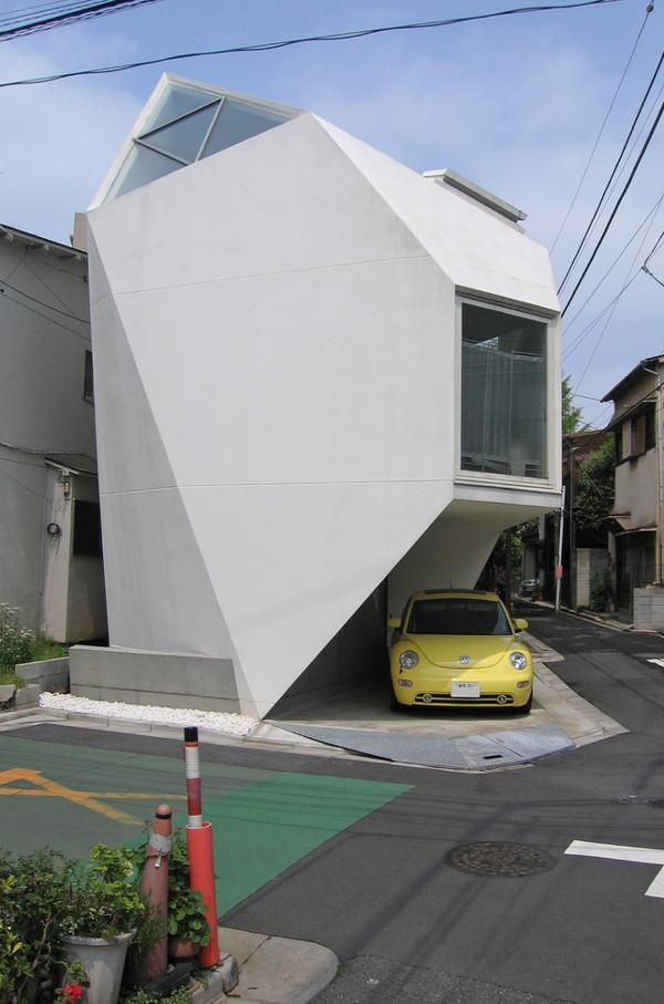 Ultra modern home design in tokyo futuristic origami for Small japanese house design in tokyo by architect yasuhiro yamashita