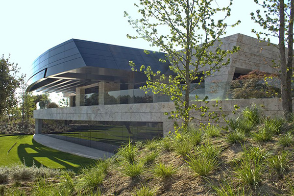 Modern Zen House Design in Madrid Spain